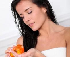 Tout ce que vous devez savoir sur le traitement des cheveux à l'huile (FAQ)